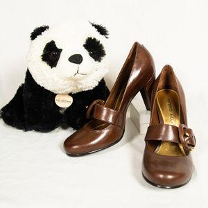 New brown Antonio Melani Mary Jane pump heels